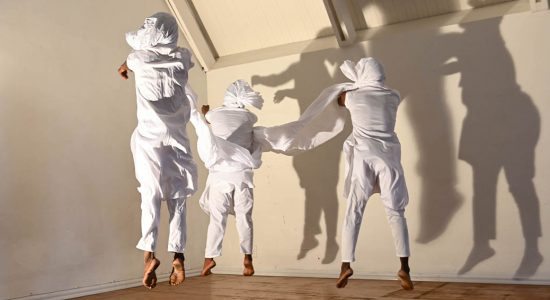 UNHINGED Choreographed by Yaseen Manuel Photo by Val Adamson